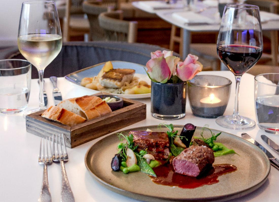 Liman-Fisch-Restaurant-Seafood-Bar-Hamburg-Winterhude-Fisch-und-Fleischgerichte